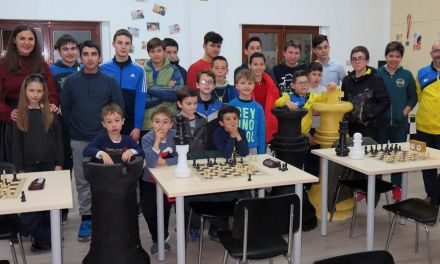 La Escuela Municipal de Ajedrez de Caravaca, compuesta por 30 alumnos y alumnas, estrena aula
