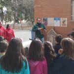 Hoteles para insectos y cajas nido para proteger la biodiversidad en los huertos escolares de Bullas