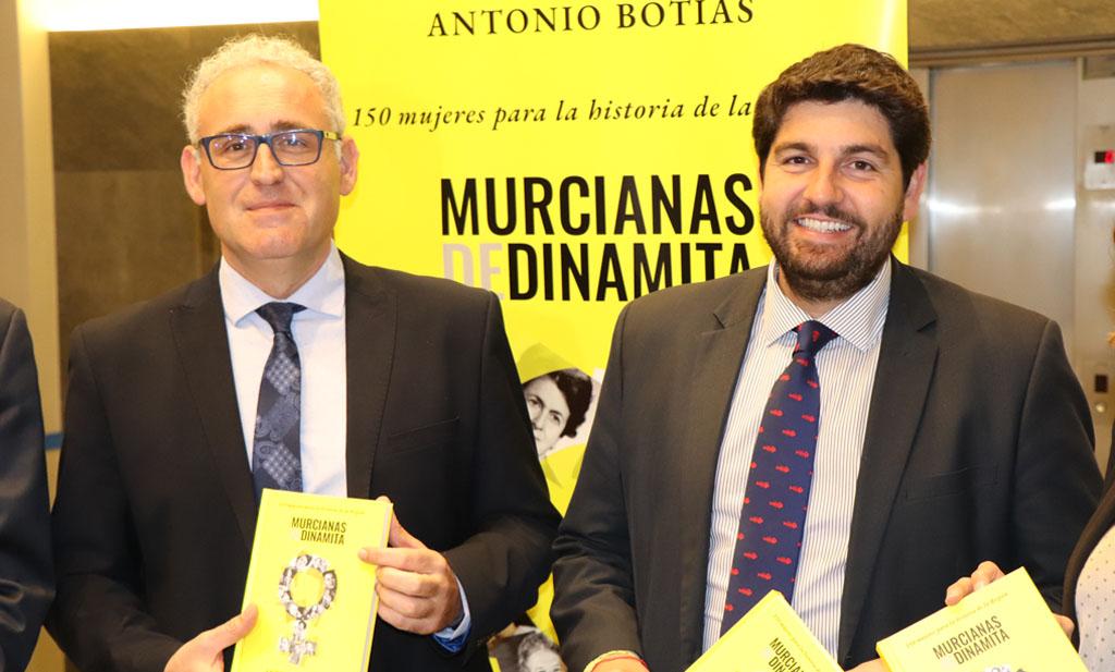«Es terrible comprobar que  muchas ilustres mujeres no tienen ni una calle con su nombre», Antonio Botías, autor de «Murcianas de dinamita»