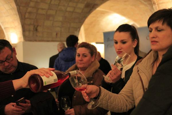 Los asistentes pudieron degustar los vinos de la DO Bullas