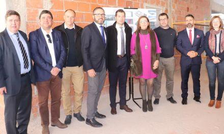 El presidente de la Cámara de Comercio de Murcia visita las obras de la Plaza de Abastos, la Escuela del Vino y El Coso