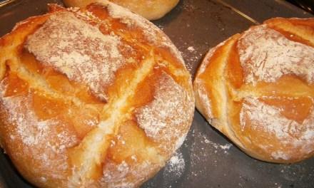 Con un pan debajo del brazo