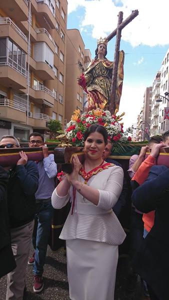 Amazona portando a Santa Elena