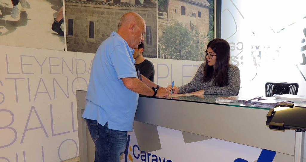 Turismo refuerza los servicios de atención al visitante en las fiestas de Caravaca