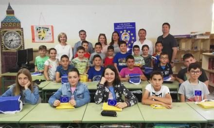 La campaña 'Europa invierte en nuestras  zonas rurales' de lucha contra la despoblación lleg a a 600 escolares de distintos puntos de la Región
