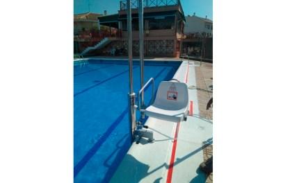 La piscina municipal de Mula adopta mejoras de accesibilidad