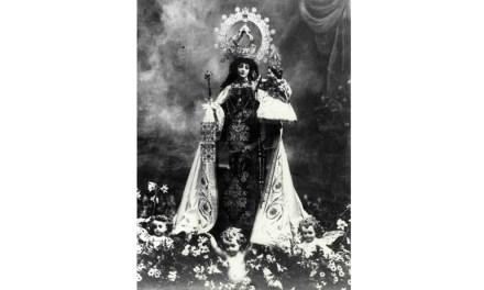 1862: Regalo de un manto a la Virgen del Carmen de Caravaca por la reina Isabel II