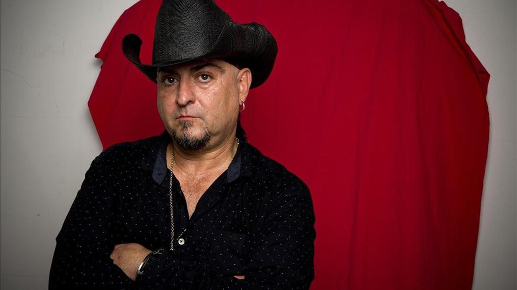 «El secreto está en hacer la música que te gusta y cada vez mejor», Carlos Segarra, líder de Los Rebeldes, que actúan en el Cuervarrozk