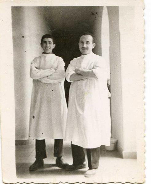 Isidro, con un colega del trabajo