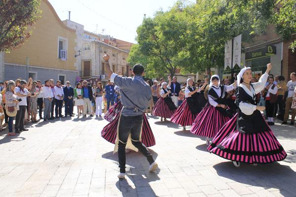 La peña la Uva con el folclore típico