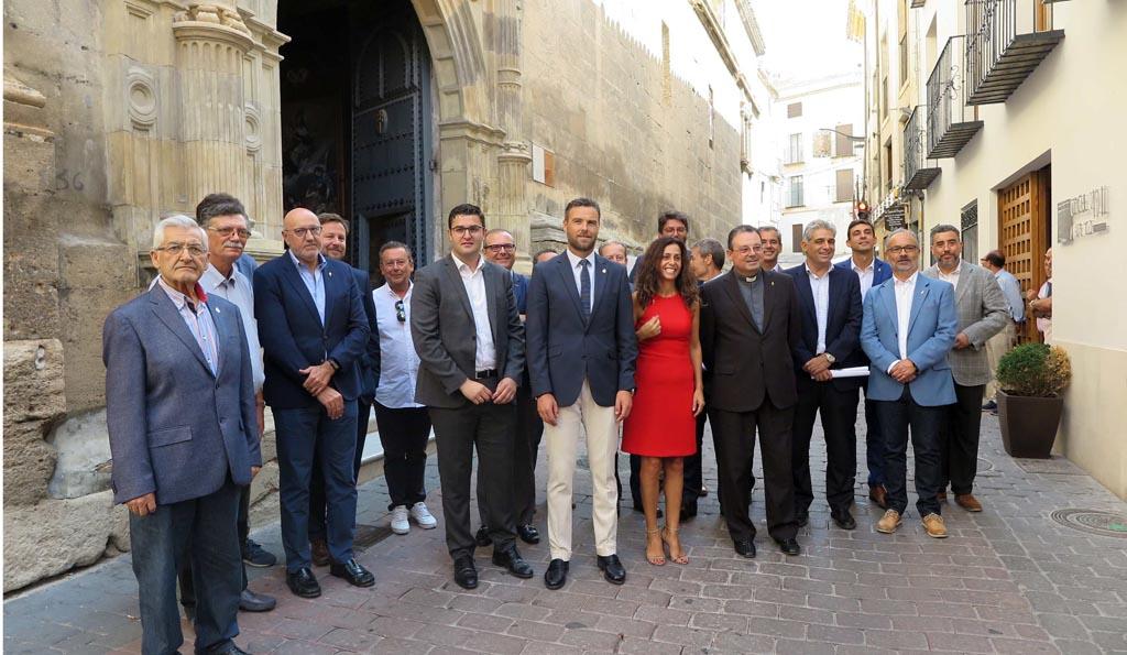 La Fundación Camino de la Cruz recupera las fachadas del convento de Santa Clara y de la parroquia de El Salvador con una inversión de 250.000 euros
