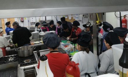 Se está realizando un curso de ayudante de cocina en el Camping La Puerta para la mejora de la empleabilidad
