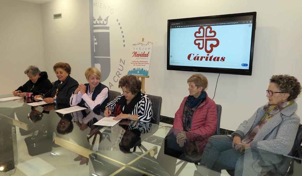 El Ayuntamiento de Caravaca entrega las ayudas municipales a las tres delegaciones de Cáritas en las parroquias del municipio