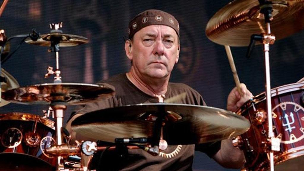 """Un tumor cerebral acaba con la brillante trayectoria de Neil Peart, baterista y letrista de la banda canadiense de rock progresivo """"Rush"""""""