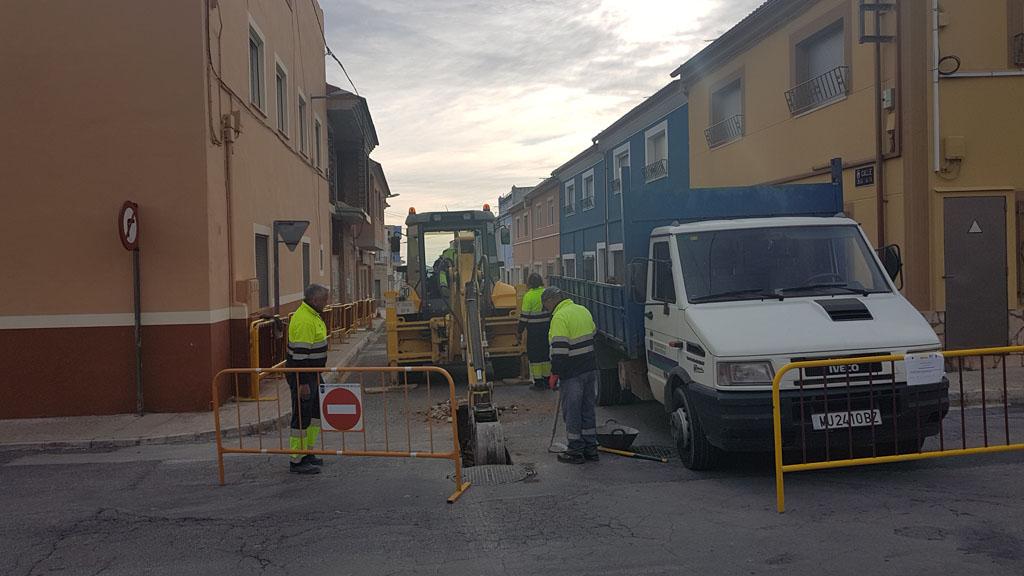 Comienzan las obras para sustituir la red de abastecimiento de agua potable en la calle Casa Alta de Bullas
