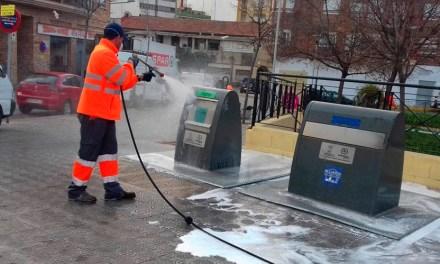 El Ayuntamiento de Caravaca refuerza los servicios municipales de limpieza para labores de desinfección de calles y edificios públicos del casco urbano y pedanías