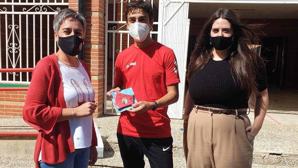 El Ayuntamiento de Calasparra reparte mascarillas reutilizables en todos los centros educativos de la localidad