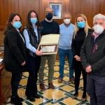 La Alcaldesa de Cehegín recibe a Marta García Llorente como reconocimiento público a sus éxitos deportivos