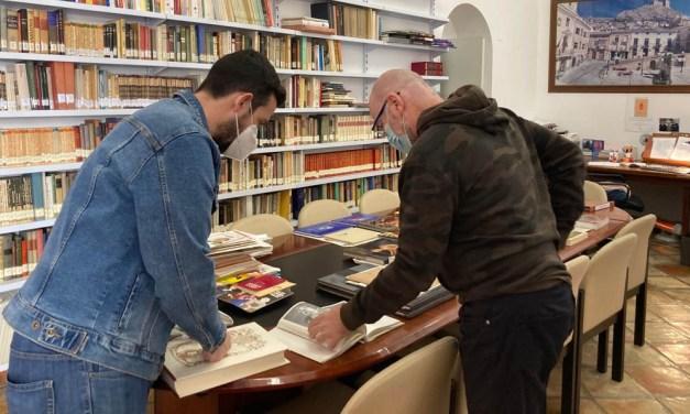 La Biblioteca Municipal de Mula recibe en los últimos meses la donación de más de 700 libros
