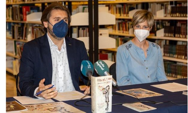 La Feria del Libro de Caravaca llega arropada por 15 actividades culturales al aire libre para todos los públicos