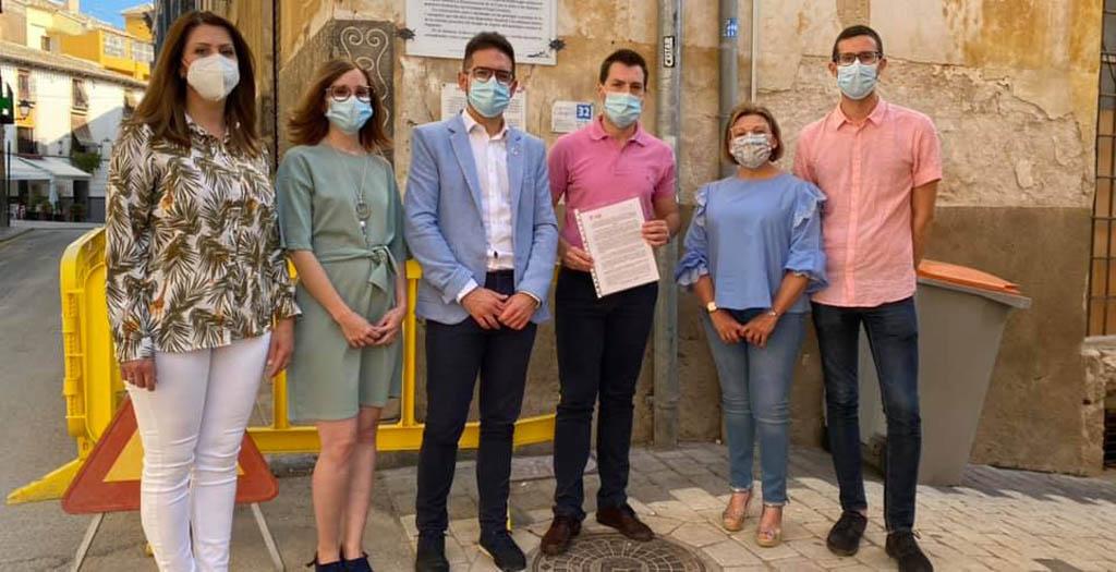 Los socialistas cehegineros solicitan una intervención urgente en el Casco Antiguo para evitar un deterioro irreversible.