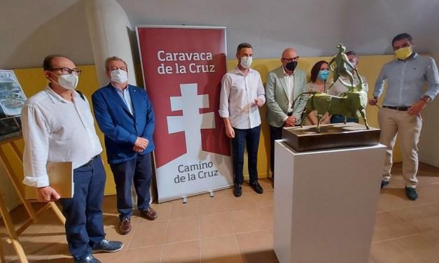 El escultor José Carrilero dona al pueblo de Caravaca su última obra monumental coincidiendo con su nombramiento como Hijo Predilecto de la Ciudad