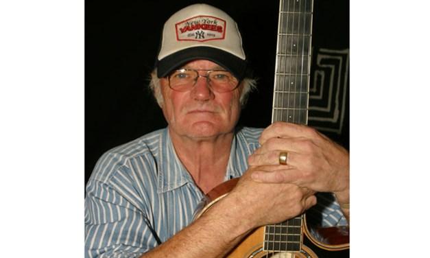 Fallece Michael Chapman, mítico cantautor y guitarrista británico