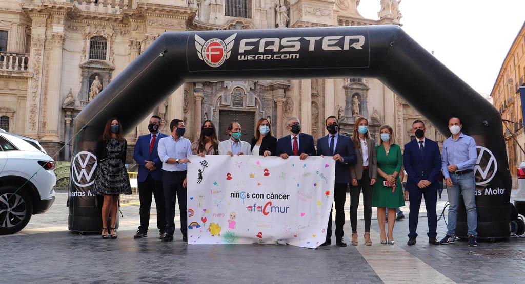 La carrera 'Mi camino solidario non stop' inicia su viaje hacia Santiago de Compostela