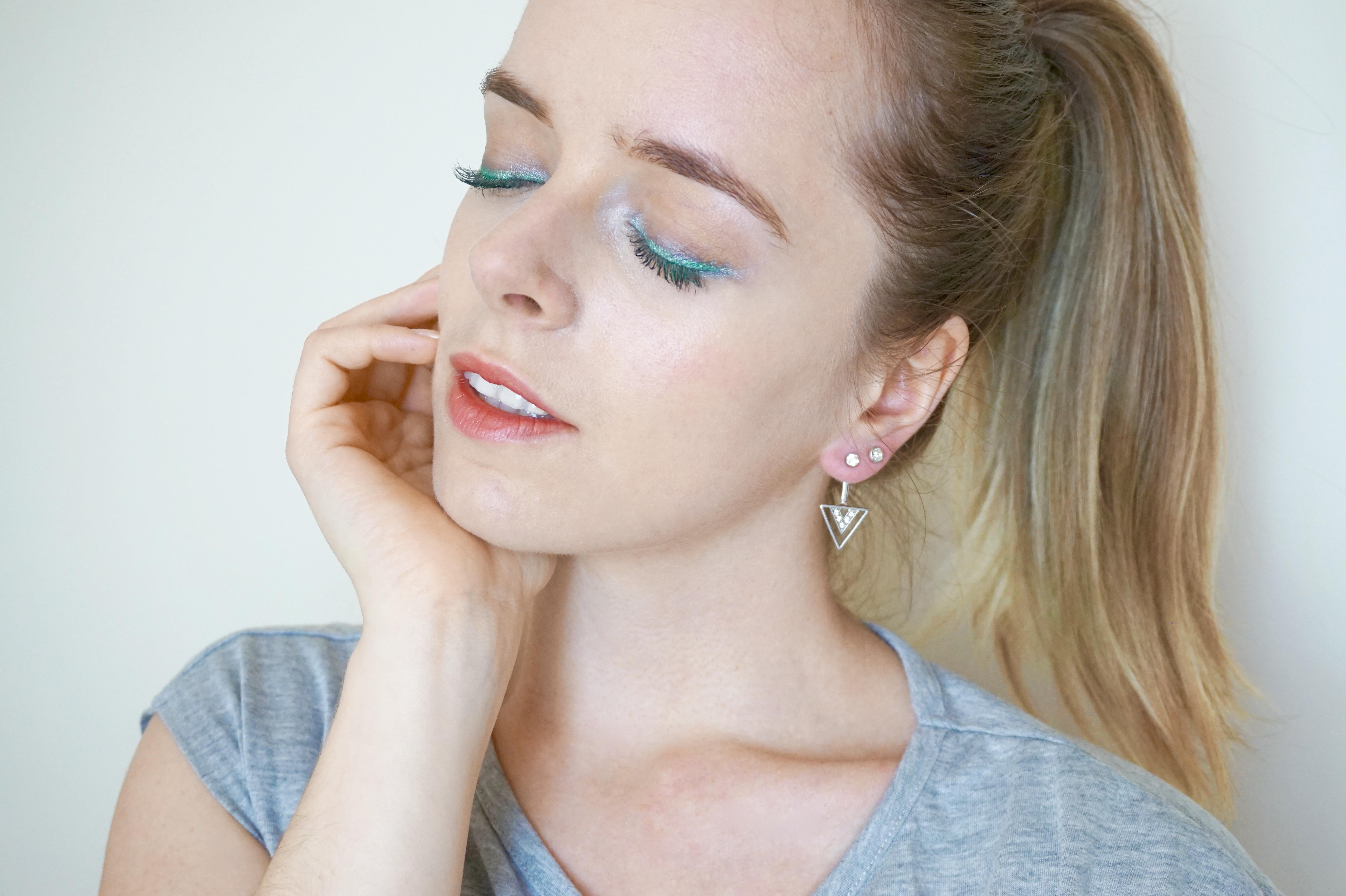 Maquillage vert argenté