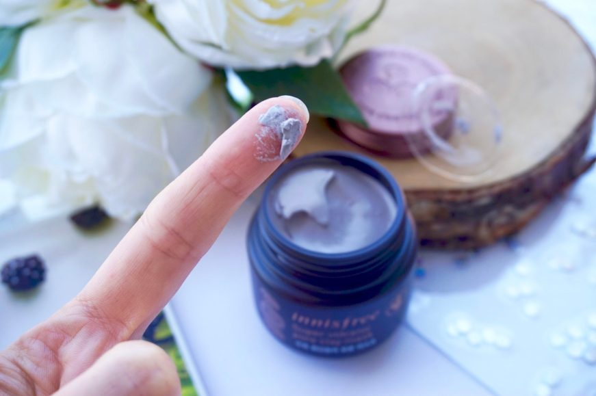 Revue Super Volcanic Pore Clay Mask de Innisfree