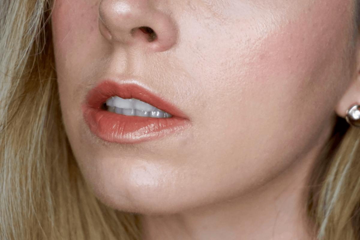 Rouge à lèvres Pony x MAC