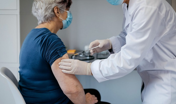 Cundinamarca inició vacunación a personas mayores de 65 años