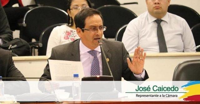 Representante Caicedo renunció a su curul