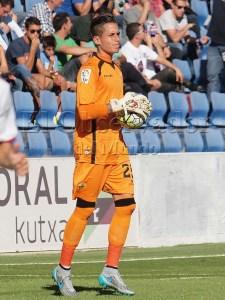 Javi Jimenez con el Elche C.F. en el partido jugado en el Alcoraz / Foto: C.Pascual