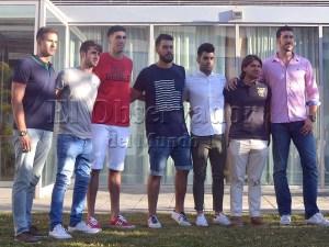 Los nuevos jugadores posaron juntos / Foto: Nacho V.
