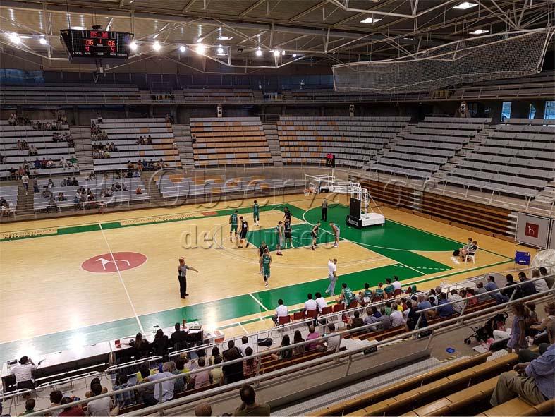 Momento del partido jugado en el palacio de los deportes de Huesca