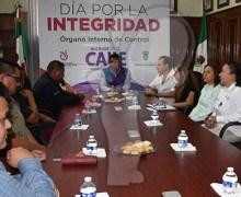 Reconocen a funcionarios por su buen trabajo en Pedro Escobedo