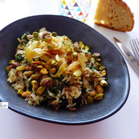 Riz pilaf au boeuf, aux épinards et aux fruits secs (et sa version végétarienne)