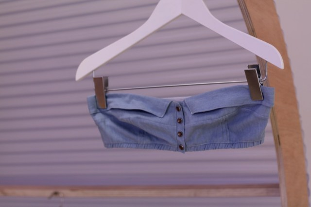 brassière jeans