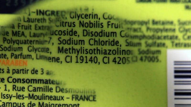 Le méthylisothiazolinone et le Méthychloroisothiazolinone, deux ingrédients extrêmement allergisants et sensibilisants, bien pires que les parabènes... et pourtant présents dans la majorité des gels douches même des plus grandes marques !