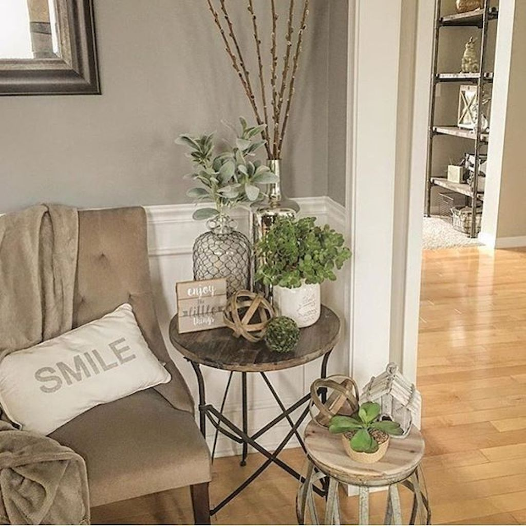 Creative Farmhouse Style Side Table Design Made From Scrap And Reclaimed Materials (4)