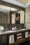Easy Bathroom Makeover Inspirations with Cheap Decoration and Accessories Part 12