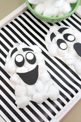 Easy Halloween Crafts and DIY halloween decoration for kids and toddler Part 25