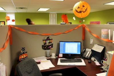 Inspiring Decoration Ideas of Halloween Cubical Office (31)