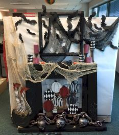 Inspiring Decoration Ideas of Halloween Cubical Office (32)