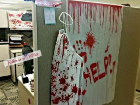 Inspiring Decoration Ideas of Halloween Cubical Office (39)