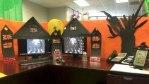 Inspiring Decoration Ideas of Halloween Cubical Office (66)
