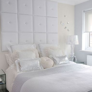 White Bedroom Decorating Ideas with Beautiful Accent Part 33