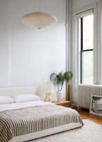Comfortable Master Bedroom Concept With Affordable Decoration Part 13