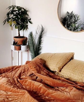 Relaxing Bedroom Feel with Natural Touch of Greenery Decorations Part 33
